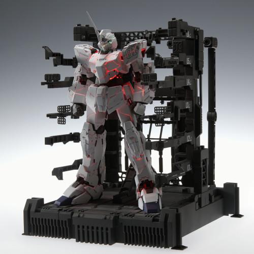 MGEX-UNICORN-GUNDAM-Ver.Ka-PREMIUM-UNICORN-MODE-BOX-3.jpg